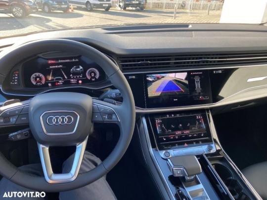 Audi Q8 3.0-8
