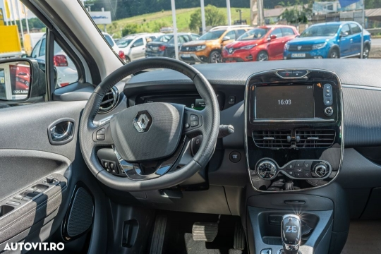 Renault ZOE-4