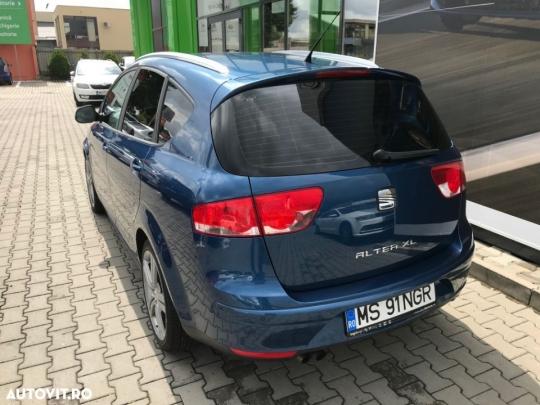 Seat Altea XL-3